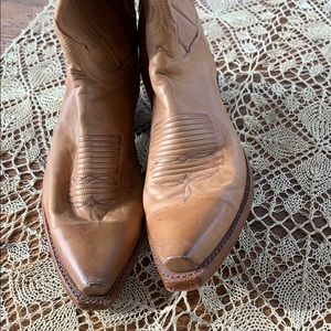 Women's tan 7.5 Lucchese western boots